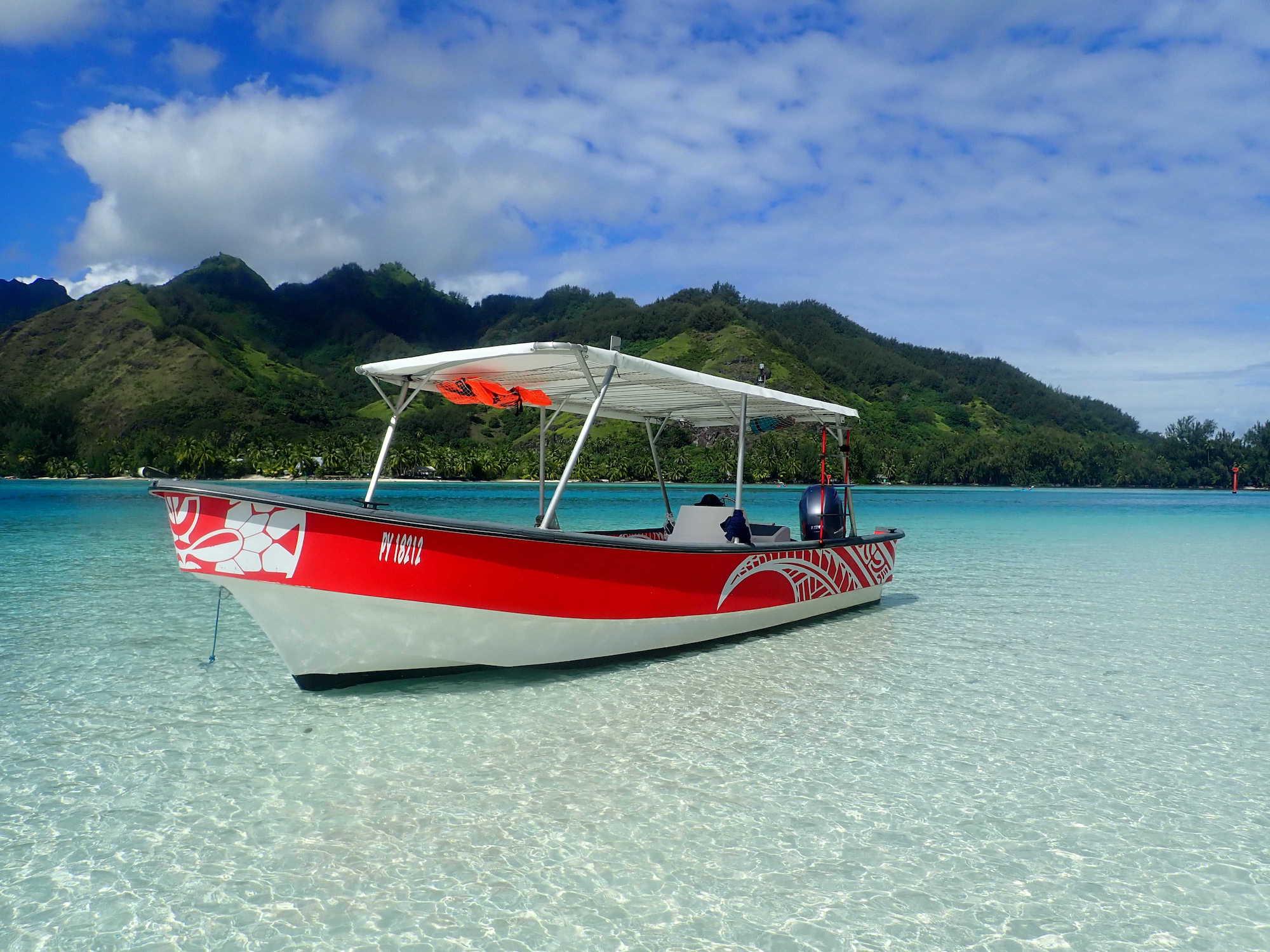 https://tahititourisme.com/wp-content/uploads/2020/09/Boat-Hinaloa.jpg