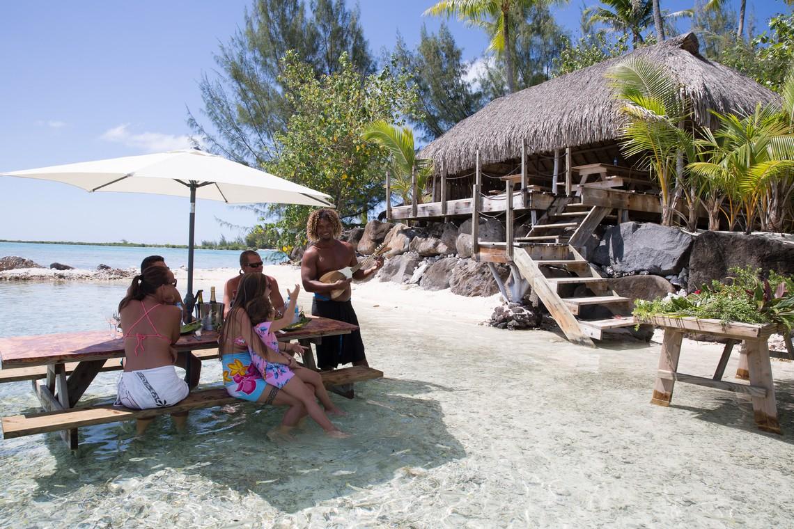 https://tahititourisme.com/wp-content/uploads/2020/11/Lagoon-Srvice-Bora-Bora-3.jpg