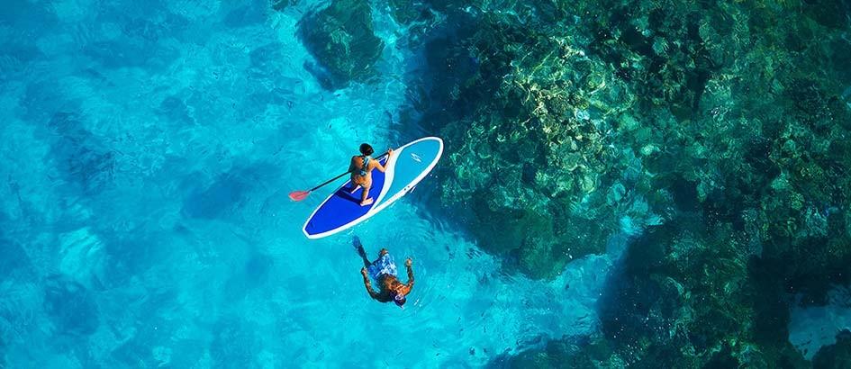 https://tahititourisme.com/wp-content/uploads/2020/12/IC-Moana-paddle-boarding.jpg