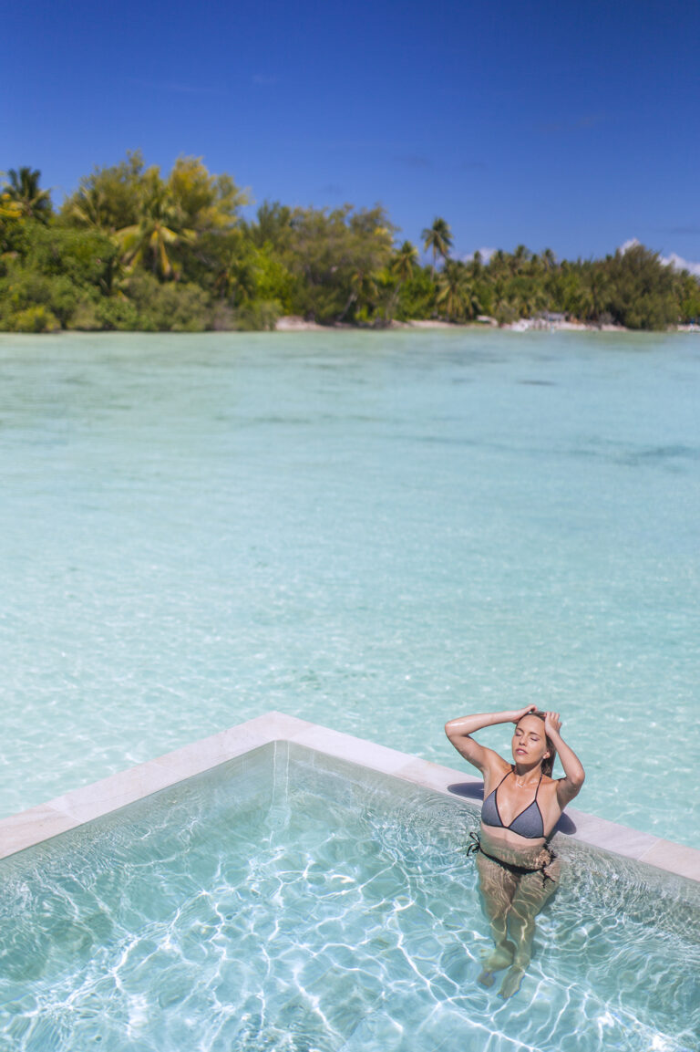 Bora Bora Ultimate Overwater Experience