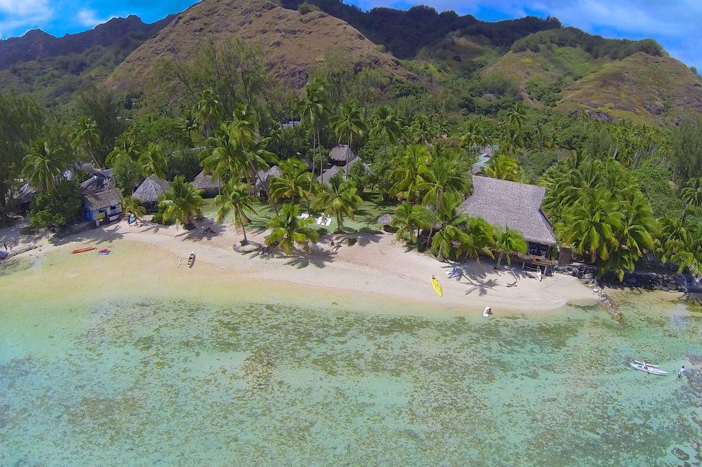 https://tahititourisme.com/wp-content/uploads/2021/01/MOZ-Tipaniers-Aerial-View-3.jpg
