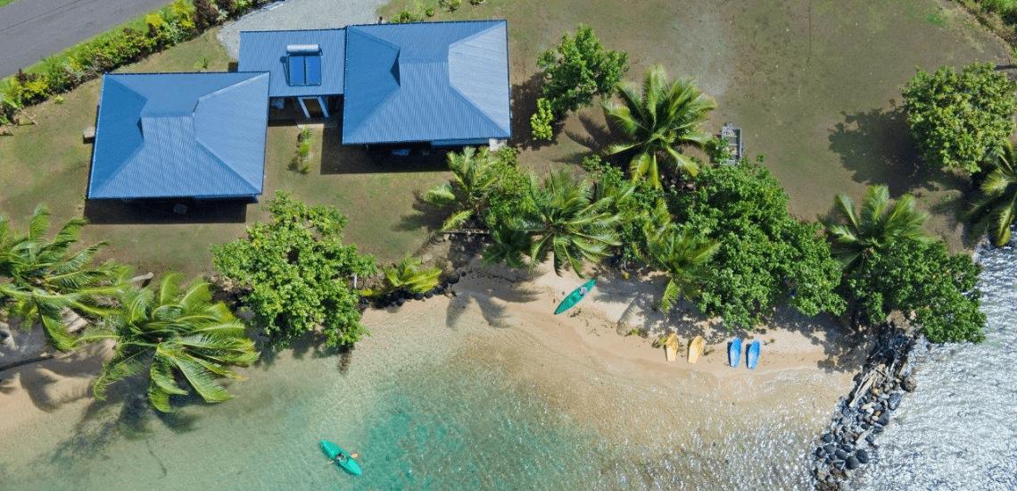 https://tahititourisme.com/wp-content/uploads/2021/01/beachcoconutlodge_1140x550px-min.png