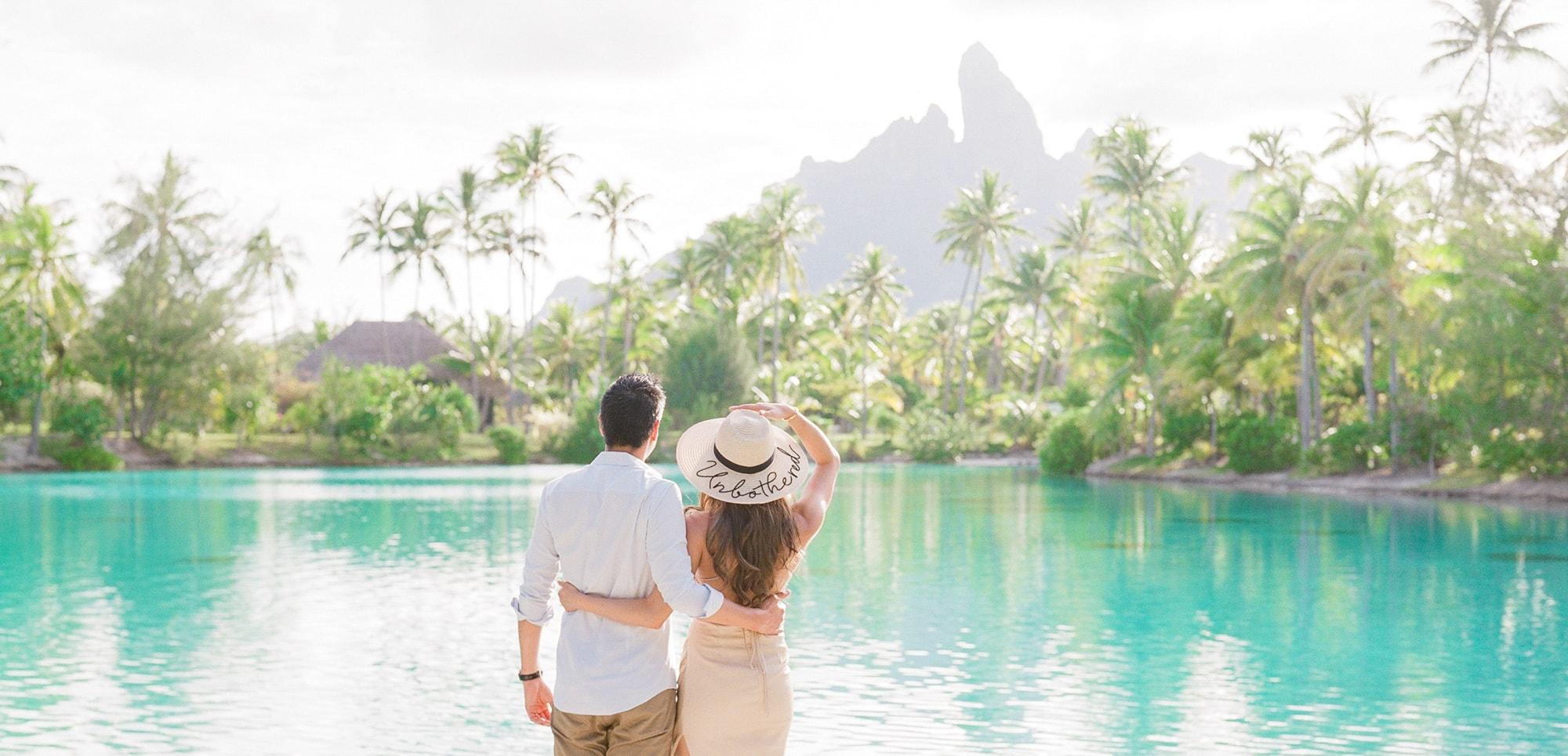 https://tahititourisme.com/wp-content/uploads/2021/04/PCP-Bora-Bora-Photographer-St-Regis-Honeymoon.jpg
