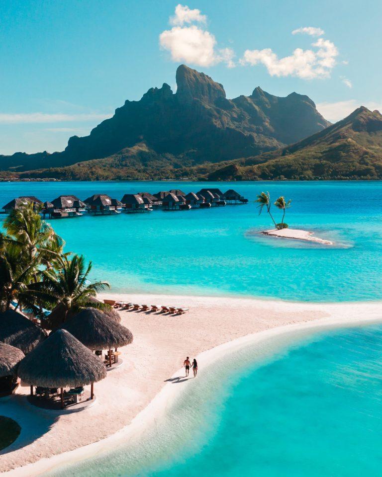 Paradise Exclusive Offer – Four Seasons Bora Bora!