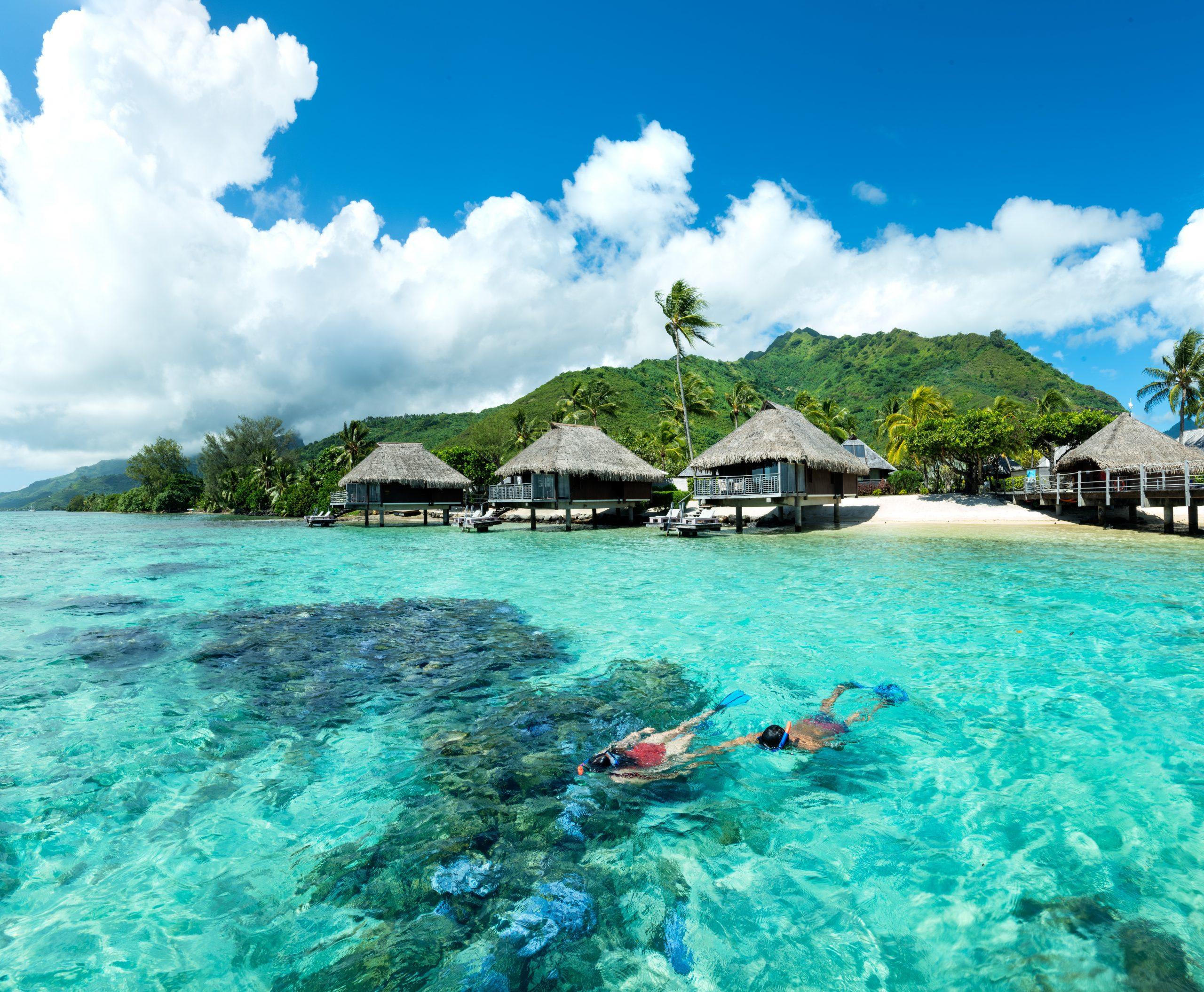 https://tahititourisme.com/wp-content/uploads/2021/05/HLMR-Lagoon-Bungalows-scaled.jpg